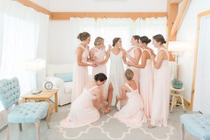 Bride and Bridesmaids getting ready in the Hemlock Springs Bridal Suite