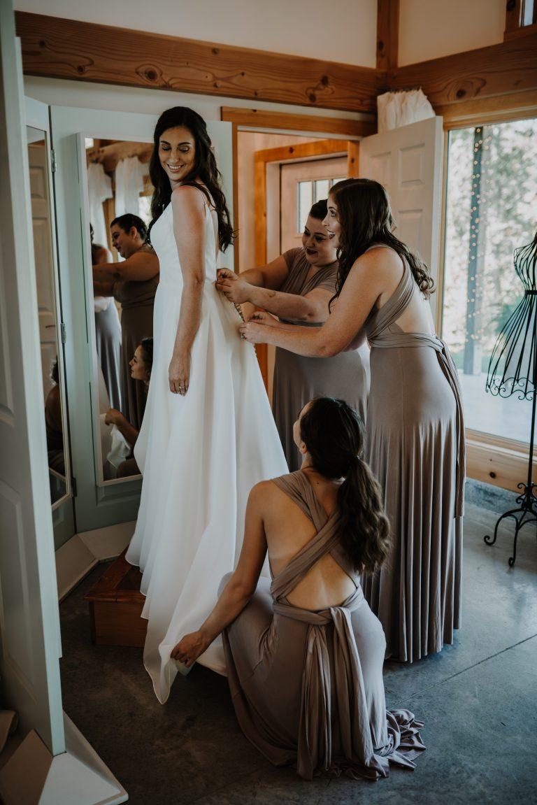 Luxurious bridal suite at Hemlock Springs