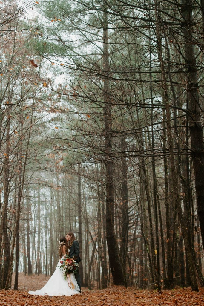 Boho fall forest wedding in the red river gorge